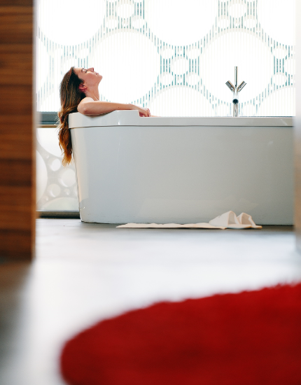 bañera habitación Mastinell - hotel con bodega