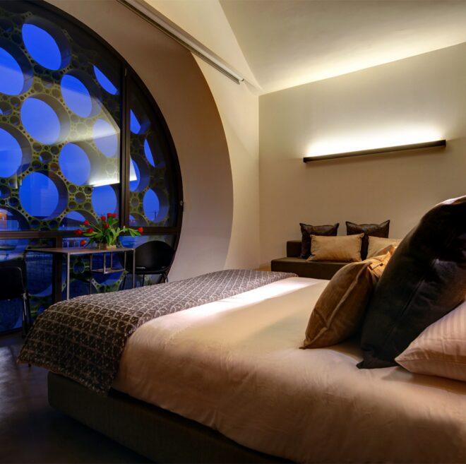 detalle anochecer habitación hotel Mastinell