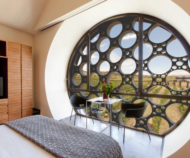 ventana habitación Mastinell hotel con bodega
