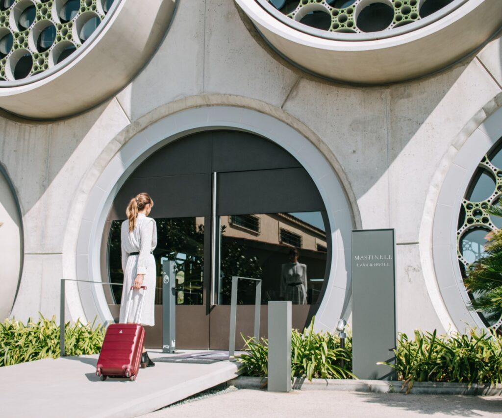 entrada Mastinell, hotel con bodega
